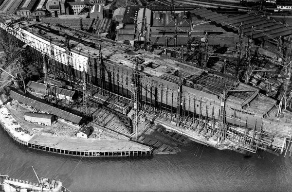 RMS Queen Mary under construction at Clydebank
