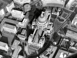london/st pauls cathedral air